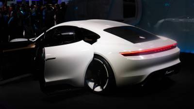 "Porsche Studie ""Mission e"""